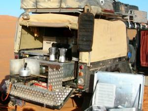 Land Rover Defender 130; één van onze expeditie voertuigen